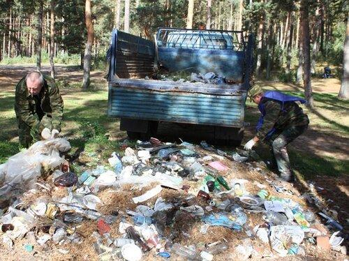 Уборка вдоль р.Молога Максатихинского района
