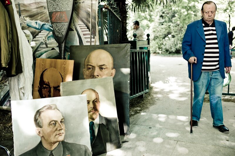 lenin paintings fear paris photos by Yanidel