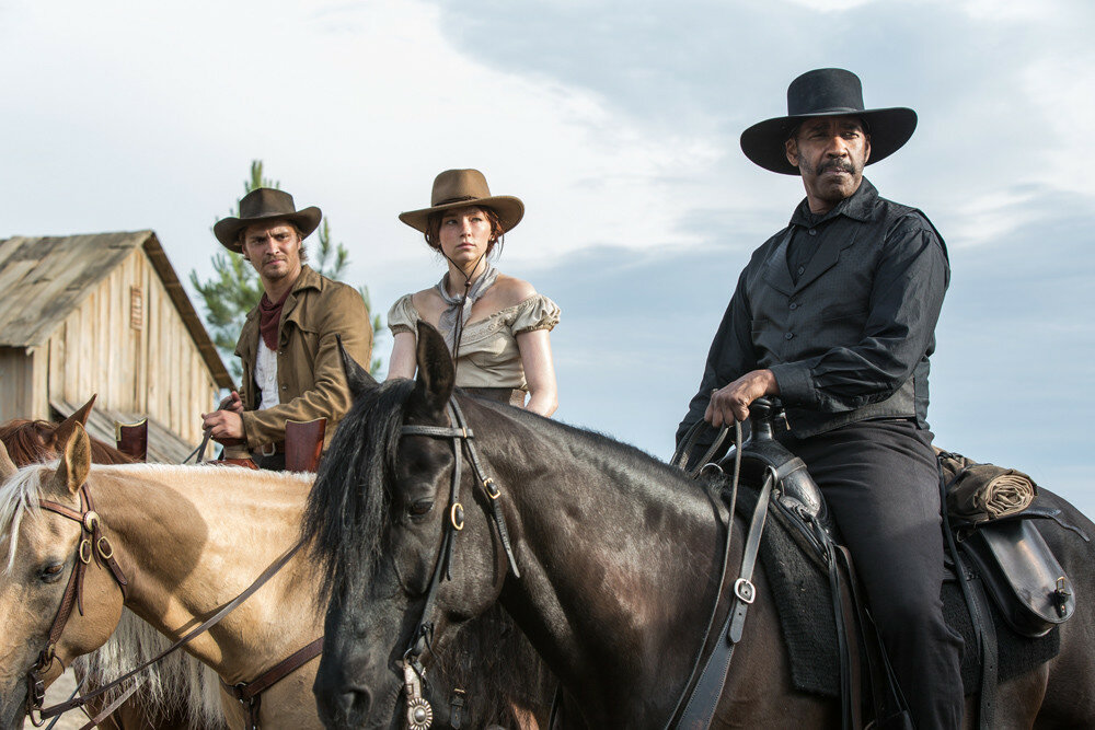 (l to r) Luke Grimes, Haley Bennett and Denzel Washington in Metro-Goldwyn-Mayer Pictures and Columbia Pictures' THE MAGNIFICENT SEVEN.