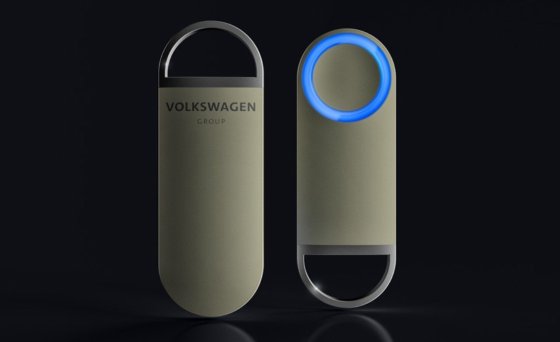 Электромобиль без руля и педалей