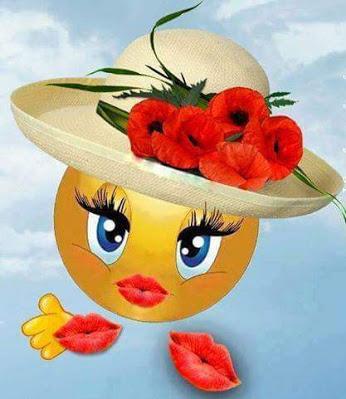 Поцелуй от смайлика в шляпе открытки фото рисунки картинки поздравления