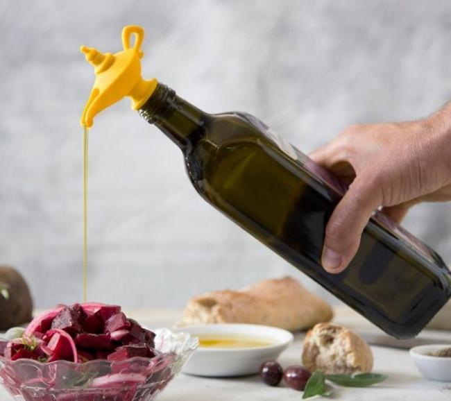 © amazon.com  Очень удобный дозатор, скоторым больше непридется каждый раз закручивать масля