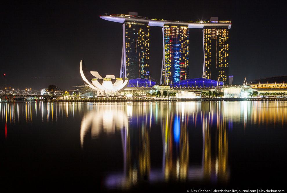 В настоящее время государство Сингапур состоит из 63 островов.