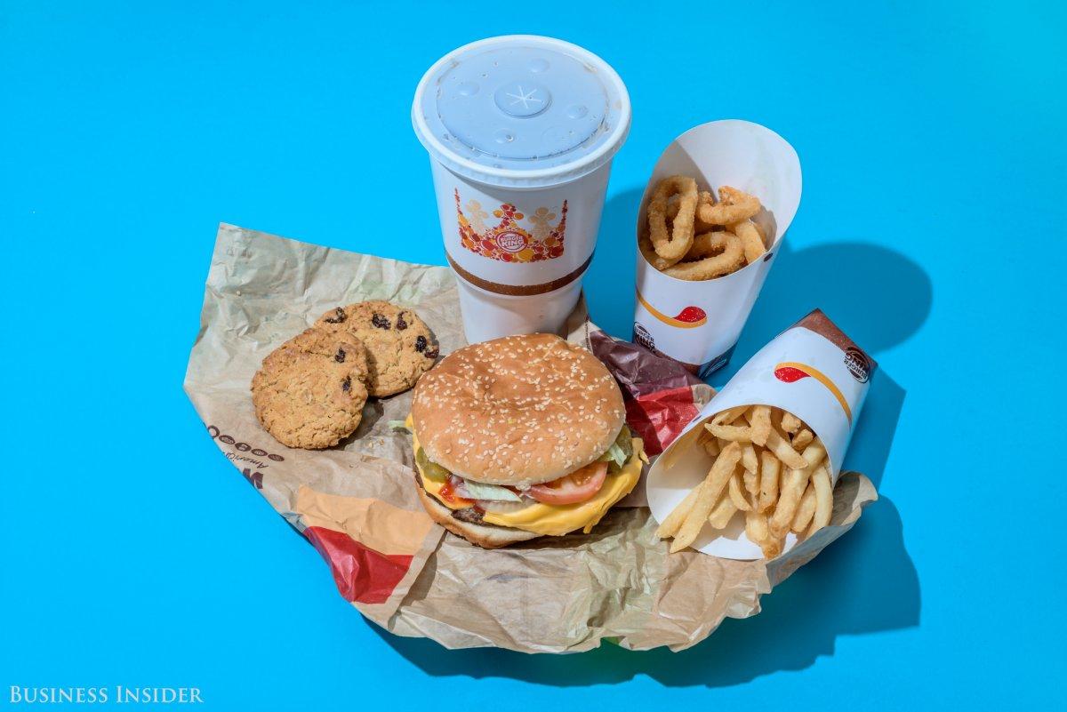 Burger King Двойной воппер с сыром, большой картофель фри, большая порция луковых колец, два овсяных