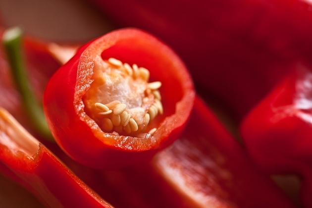 Британский садовод-любитель вырастил самый острый перец вмире