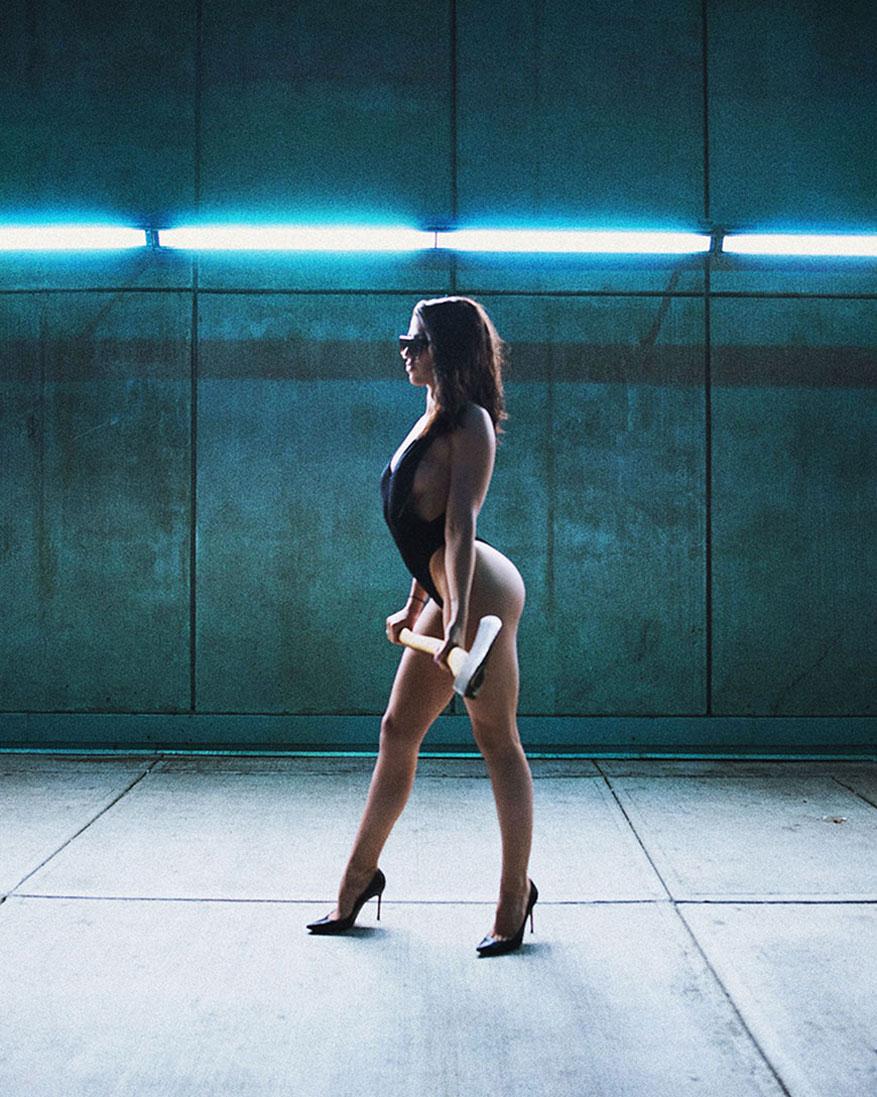 Прогулка по Ванкуверу с топором - Николь Висенте / Nicole Vicente by Terry Campbell aka LoudPhoto - Just Breeze Magazine