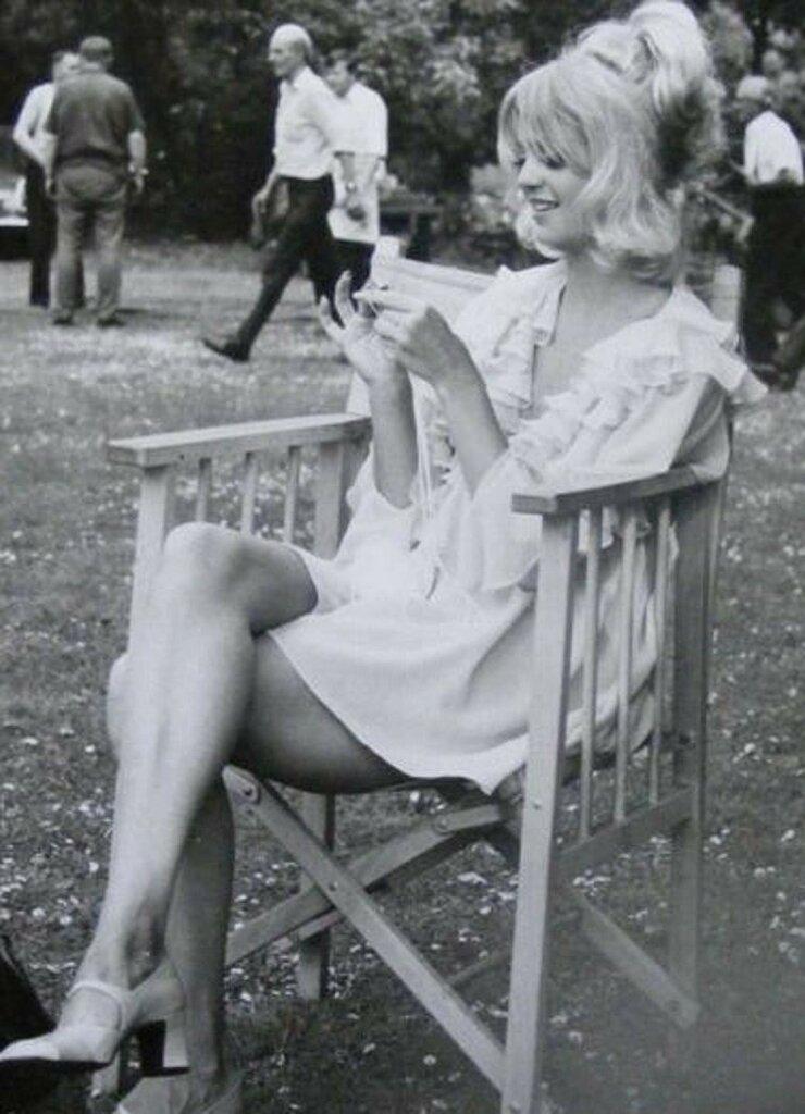 Goldie Hawn rtr.jpg