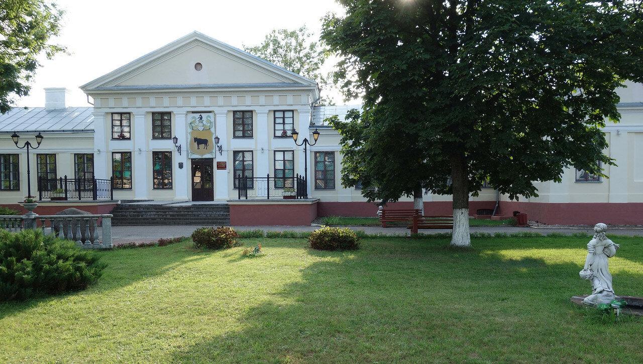 дворец Тызенхауз[эн]а