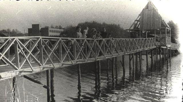 Старый мостик на оз. Бельское