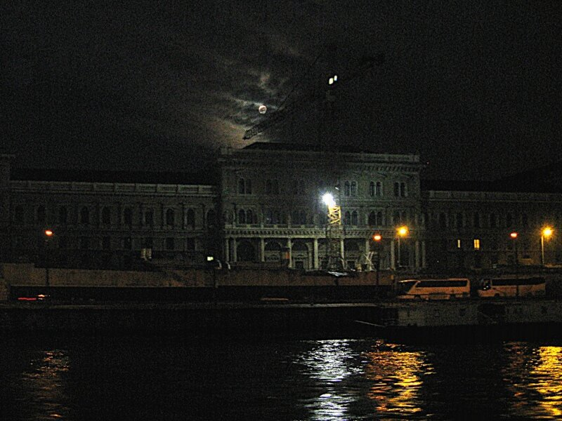 Budapest, night cruise on the Danube