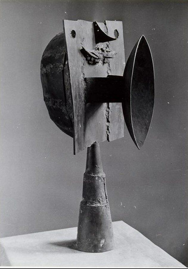 1943. «Голова» мастерская Пикассо на улице Великих Августинцев