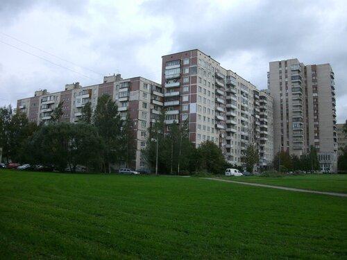ул. Десантников 32к1, парадные 1-3