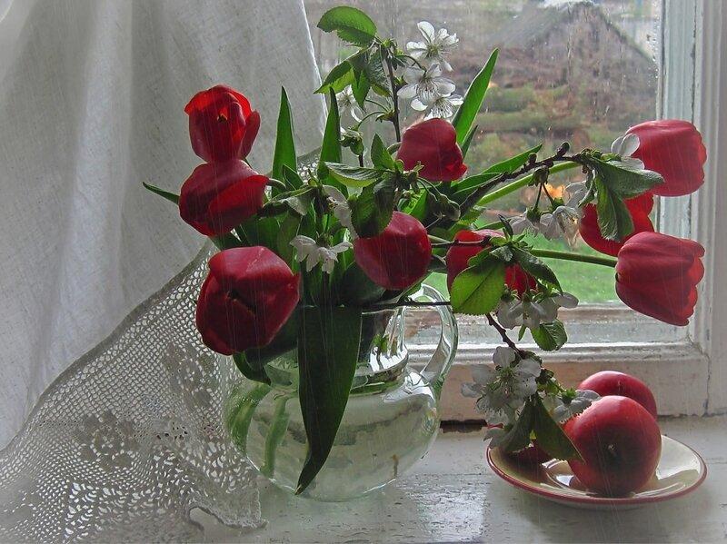 А за окном весенний дождь