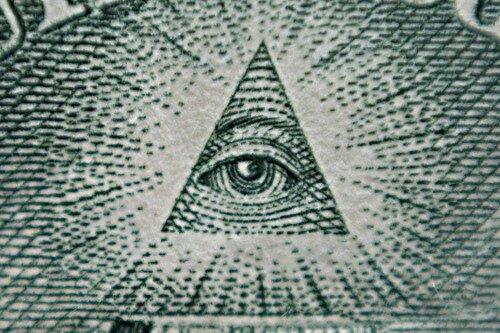 Глаз на долларовой купюре