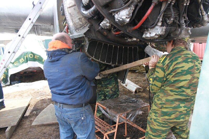 Демонтаж маслорадиатора