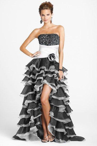 Короткое свадебное платье со шлейфом можно надевать множество раз, есть...