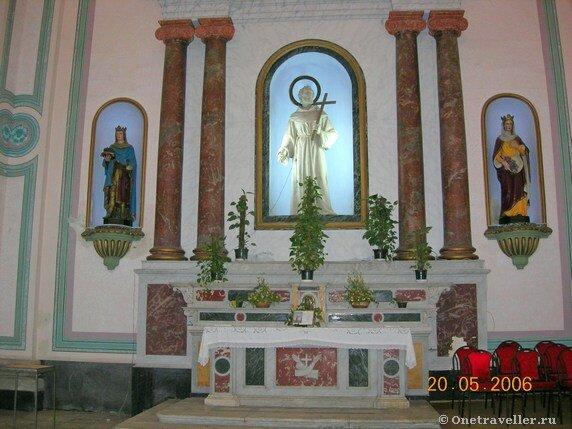 Египет. Александрия. Скульптура святого апостола Петра в католическом костеле во имя святой Екатерины.