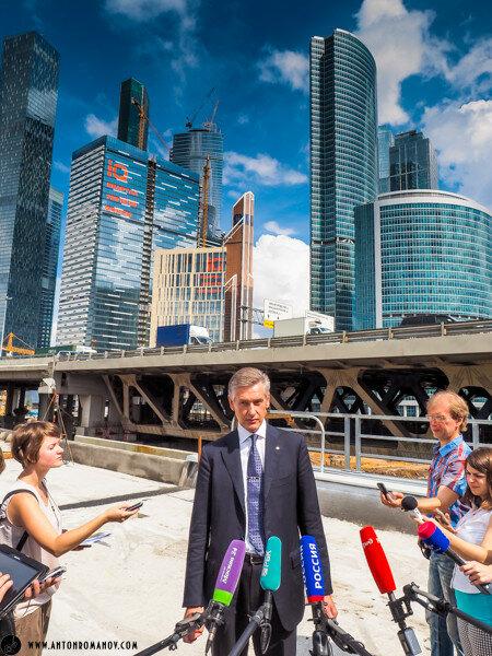 Вице-президент ОАО РЖД Тони дает интервью о ходе строительства