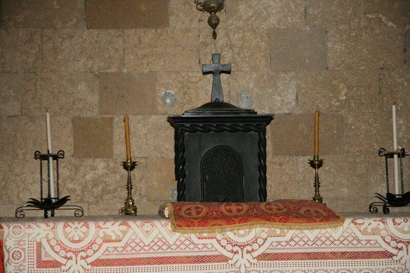Внутреннее убранство храма Богородицы Филеримской