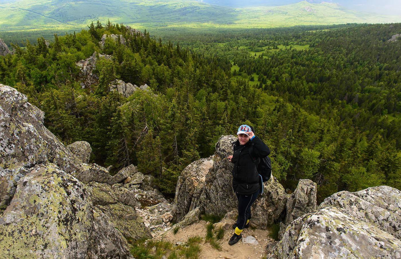 10. Виды с горы Ялангас , что около города Белорецк в Башкортостане. (2000, 24, 9.0, 1/250)