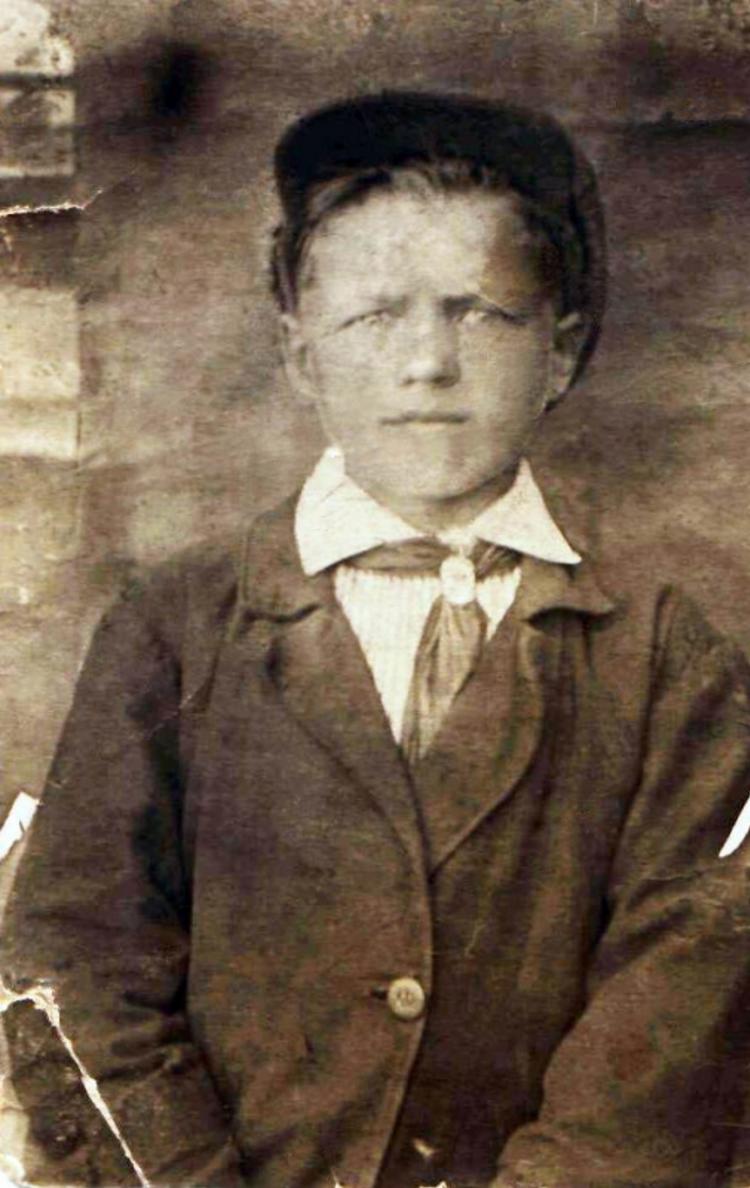Пионер 1930-х. Мамонтов А. И. Родился и вырос в с. Черемное. Закончил 7 классов. В декабре 1942 г. погиб около деревни Лыщево
