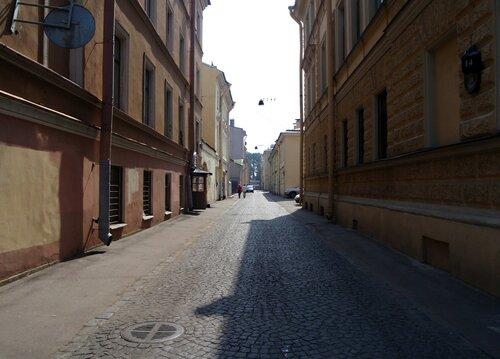самая узкая улица Санкт-Петербурга - ул.Репина