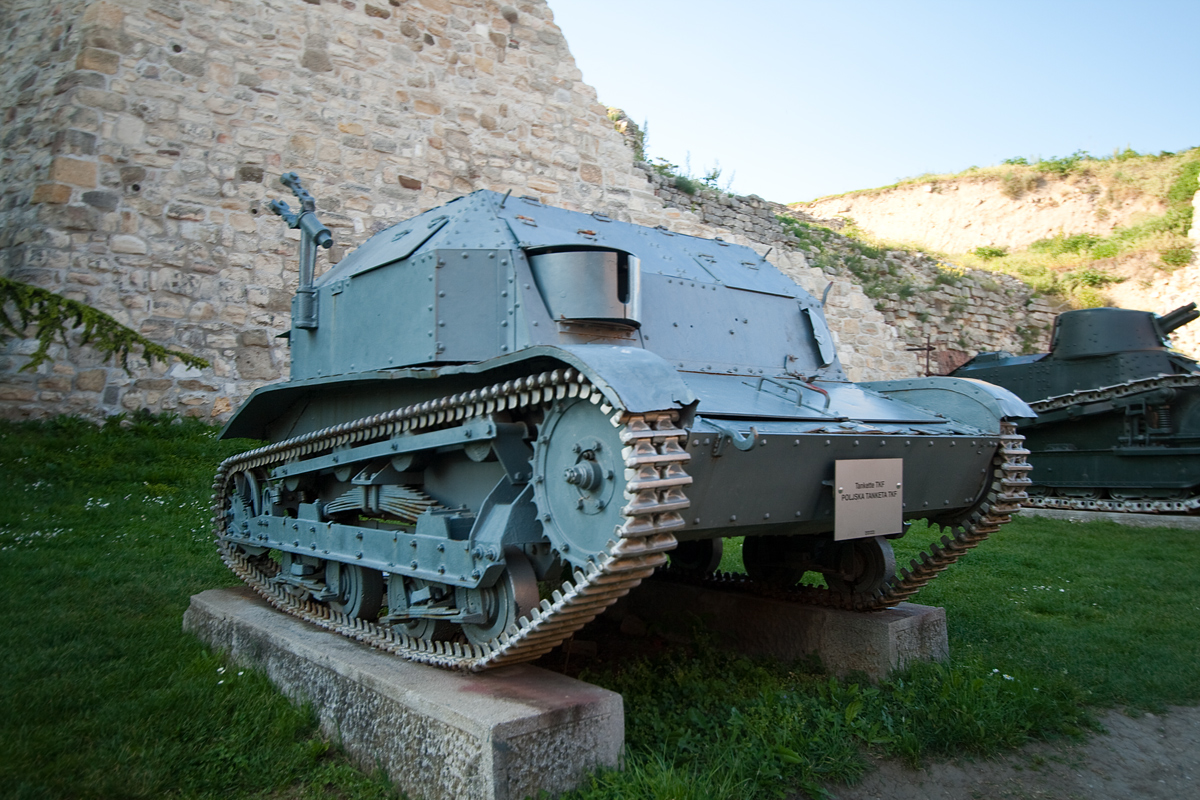 Tankette TKF, Польша