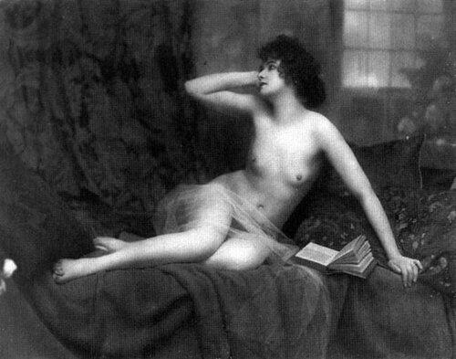 eroticheskie-starie-kartini-foto