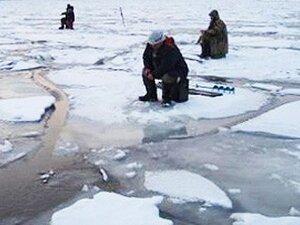 В Приморье спасатели МЧС спасли рыбака-любителя