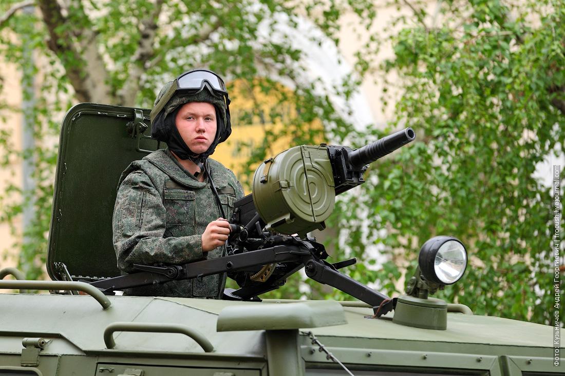 станковый автоматический гранатомет АГС-17 Пламя на ГАЗ-2330 Тигр