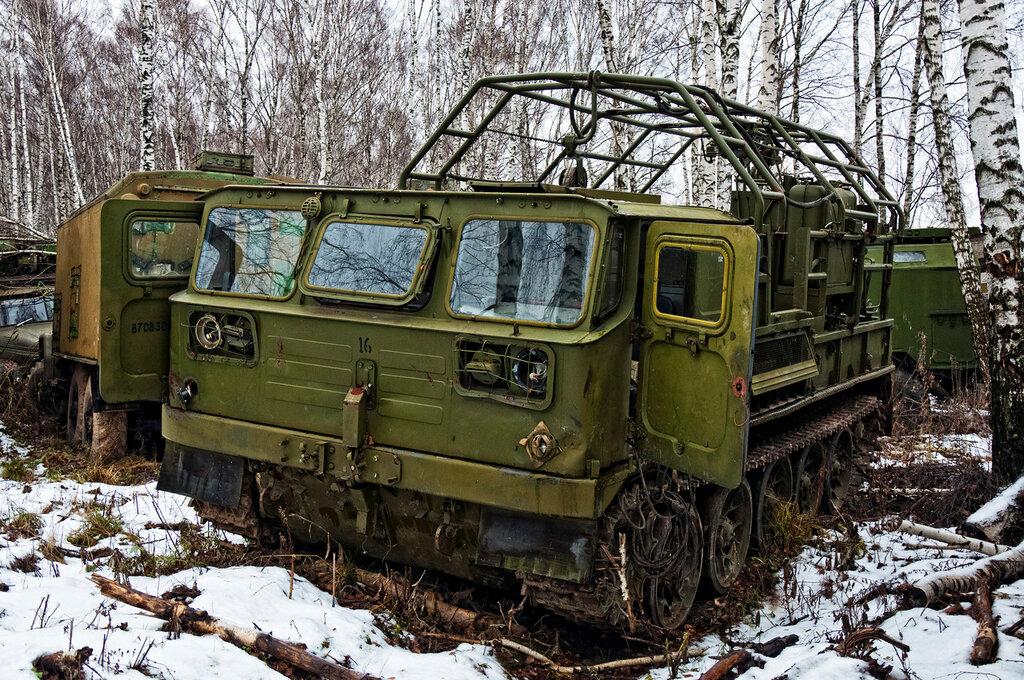 Vehiculos militares abandonados zona militar for Motores y vehiculos nj