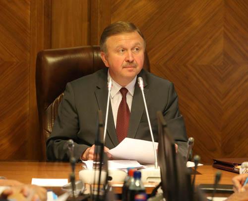 Кобяков обещает в 2016 году укротить инфляцию до 12%