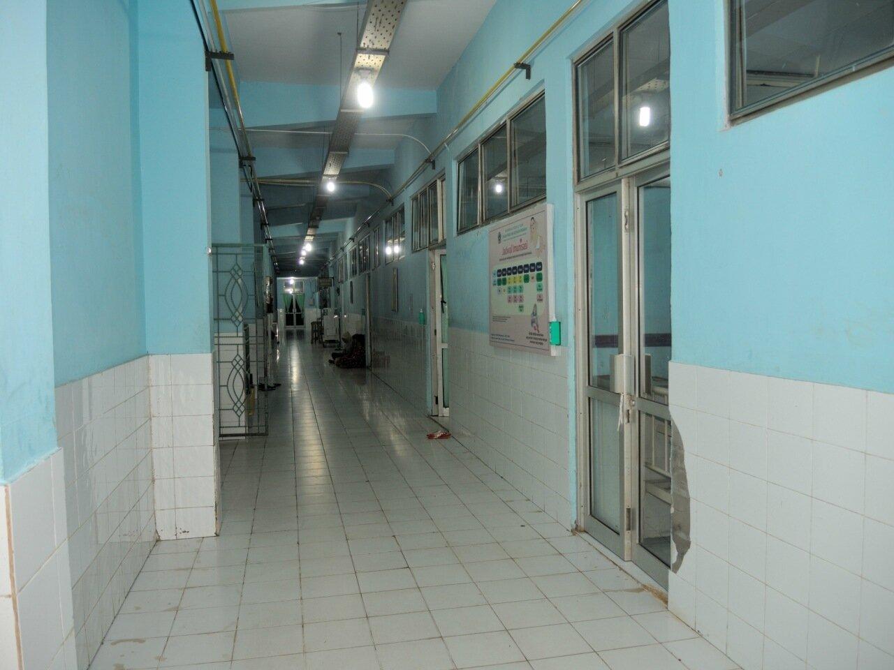 коридор в индонезийской больнице