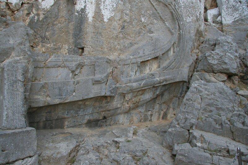 Барельеф корабля