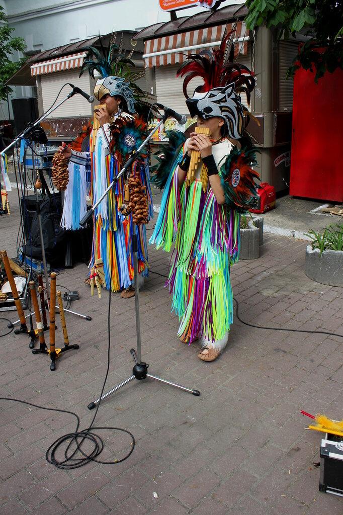 Уличные музыканты на Подоле
