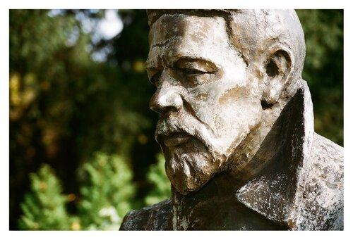 Памятник Чехову в Баден-Вайлере