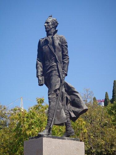 Памятник Николаю Островскому в г.Сочи