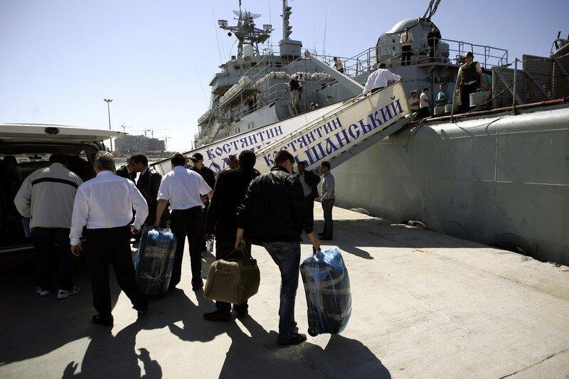 Libyans and bi-nationals prepare to boar
