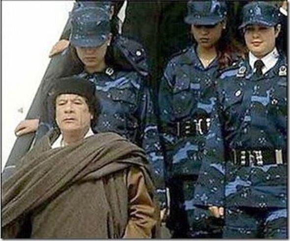 каддафи телохранительницы