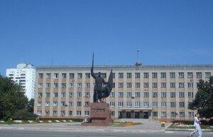 Вандалы в Приморье разгромили подсветку у мемориала павшим в Великой Отечественной войне города Уссурийска