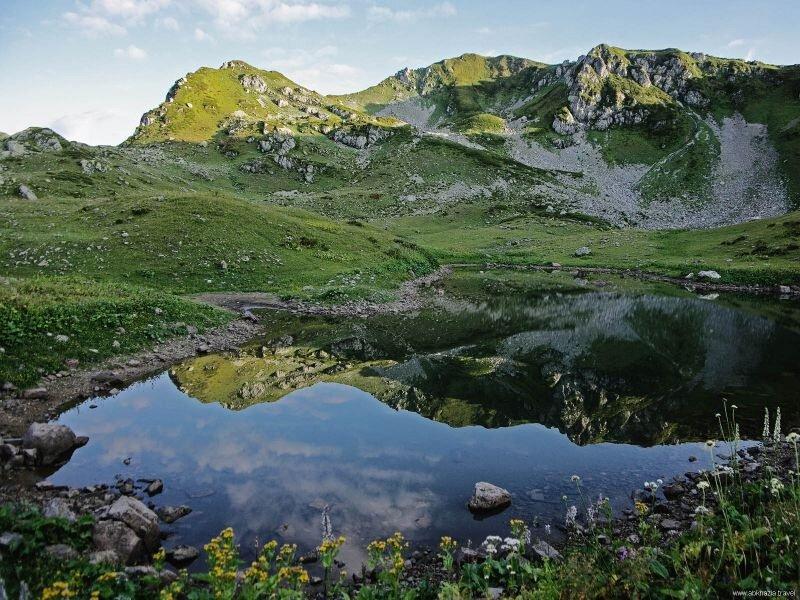 На самом деле озер отдых в абхазии