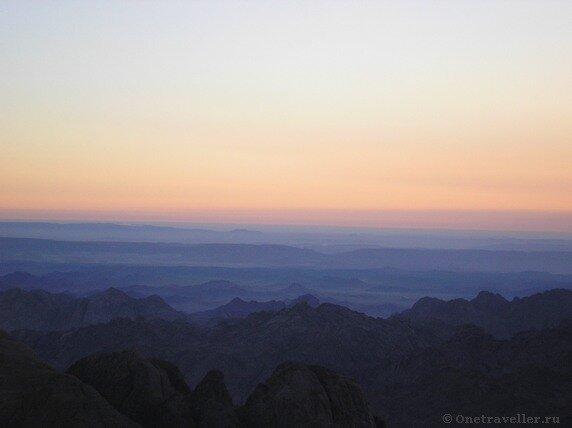 Египет. Рассвет в горах Синая.