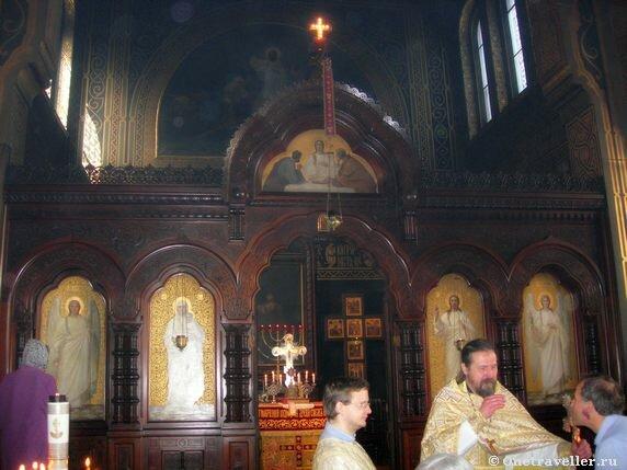 Дания. Копенгаген. Иконостас церкви святого благоверного князя Александра Невского.