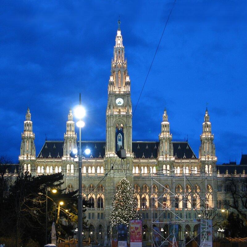 Венсакая Ратуша, рождественская иллюминация