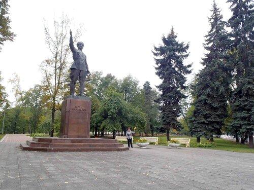 памятник  Беталу Калмыкову