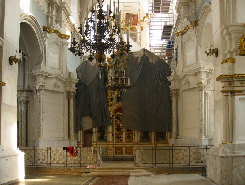 Интерьер Кафедрального собора Сошествия Святого Духа