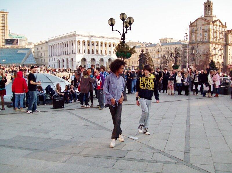 Танец на Майдане Незалежности