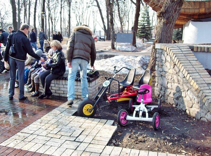 Прокат детских автомобилей в Мариинском парке