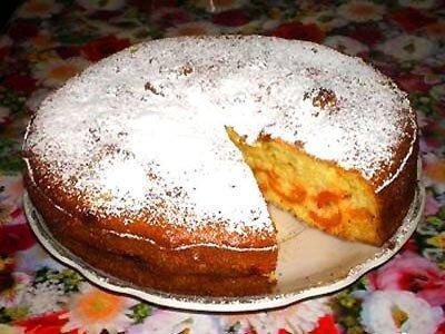 Фруктовый пирог на кислом молоке