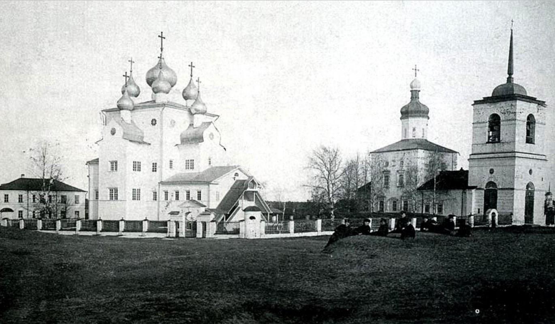 Михаило-Архангельский деревянный и Благовещенский каменный